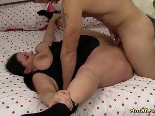 plumper babe is extreme flexible