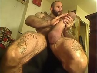 Verga monstruosa / Massive cock & huge balls
